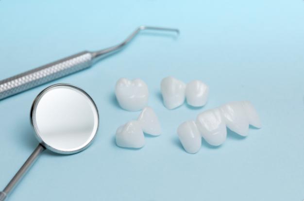 dental veneers with dental tools